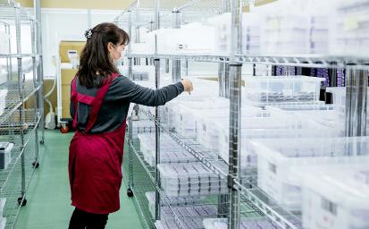 100パレット以上の物量にも対応できる大規模な倉庫